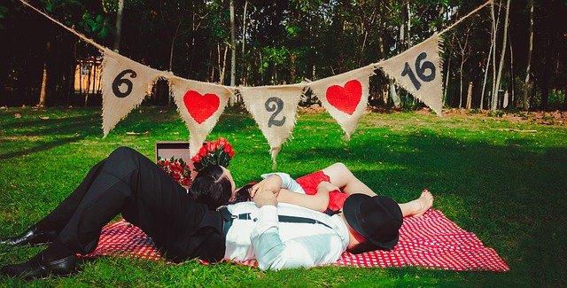 pareja camping